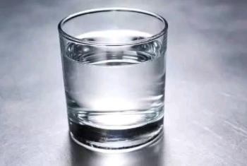 《别盯着杯子》读后感