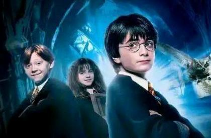 《哈利波特与魔法石》观后感【二年级】
